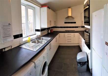 7 Bedroom House, Double Rooms £110 per person per week  - Great Western Street, Rusholme