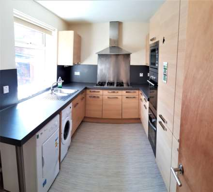 6 Bedroom House, £110pppcw ALL BILLS - 6 Double Rooms in Rusholme, minutes away from Universities.