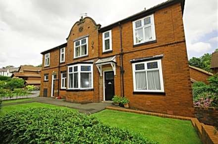 2 Bedroom Flat, Greenmount Lane, Heaton