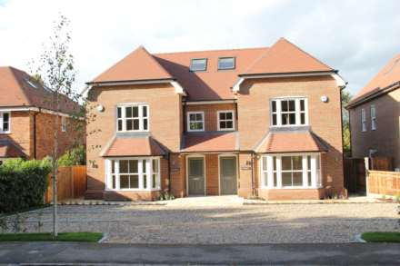 4 Bedroom Semi-Detached, Baskerville Lane, Lower Shiplake