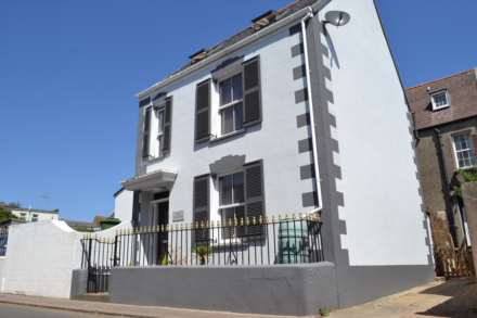 3 Bedroom House, Dicq Road, St Helier