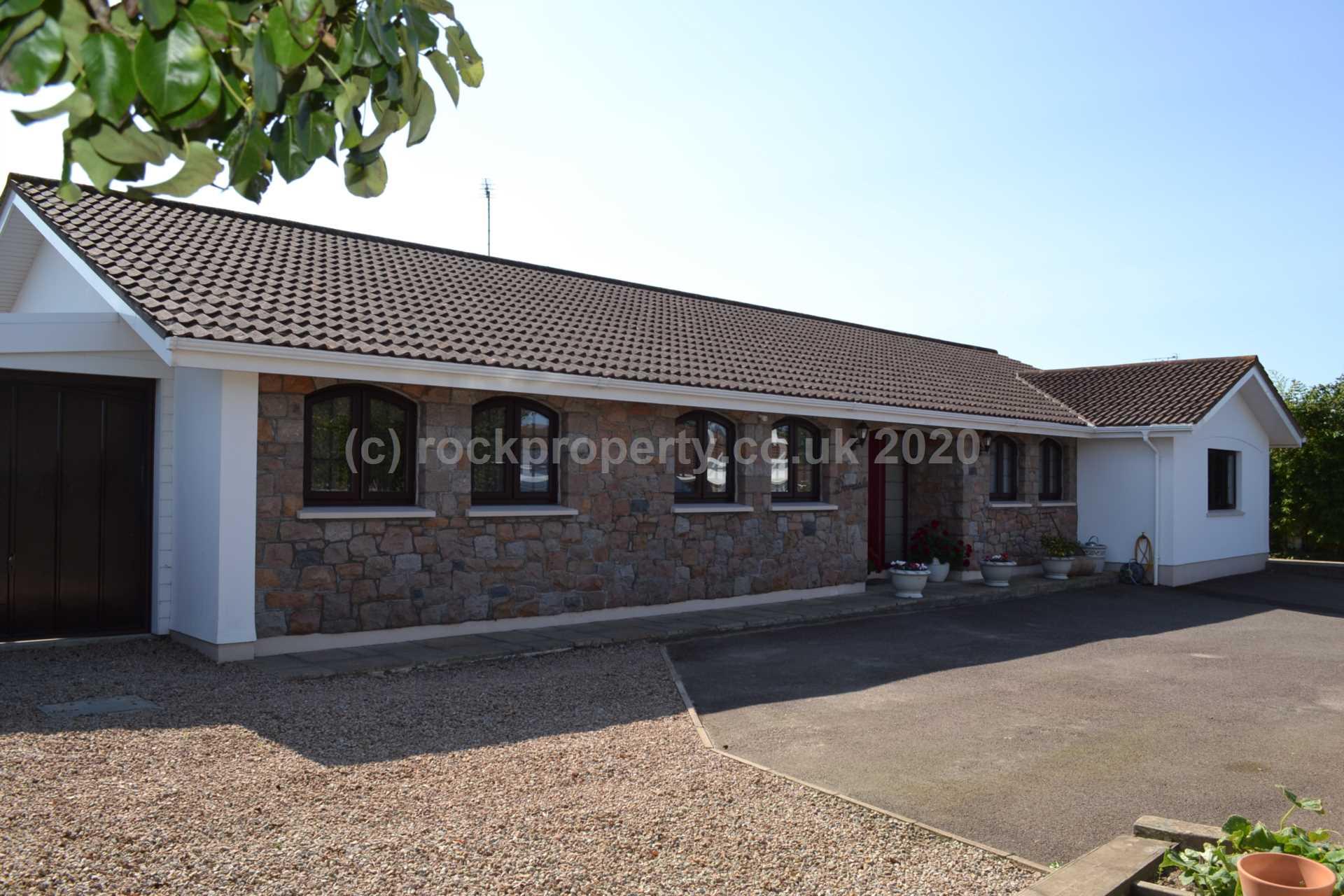 Rockproperty Ltd - 4 Bedroom Bungalow, Clos Des Mont Arthur, St Brelade