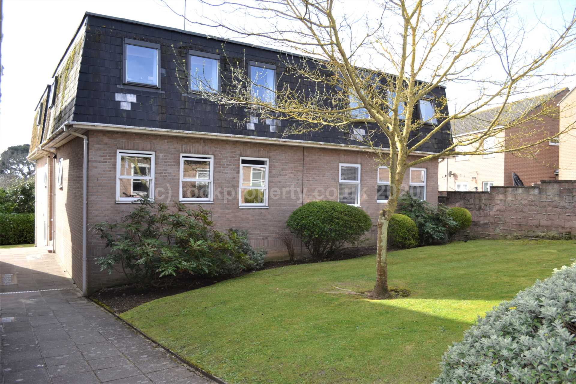 Rockproperty Ltd - 1 Bedroom Apartment, Richmond Road, Town Outskirts