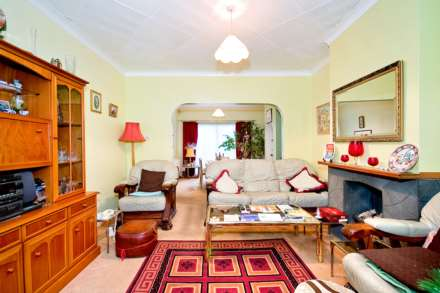 3 Bedroom Semi-Detached, Abercairn Road, Streatham