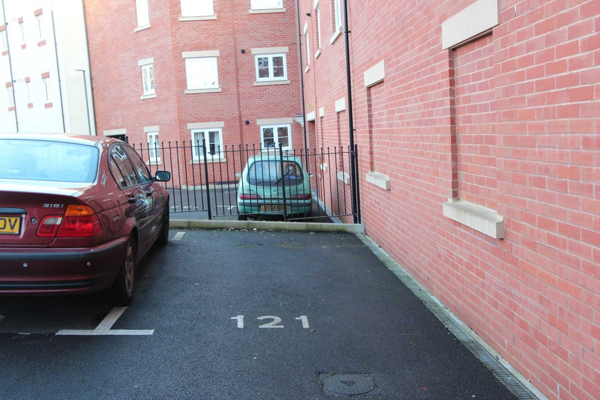 Jack Russell Close, Stroud, Image 11