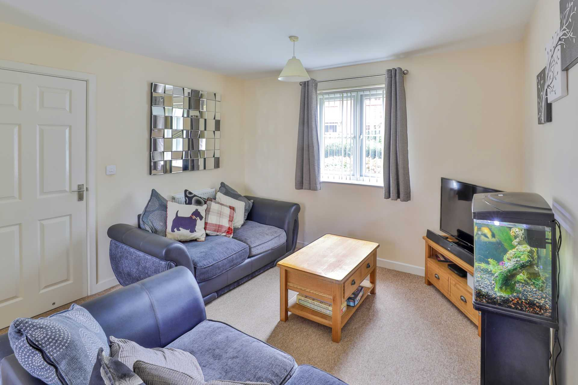 Jack Russell Close, Stroud, Image 2