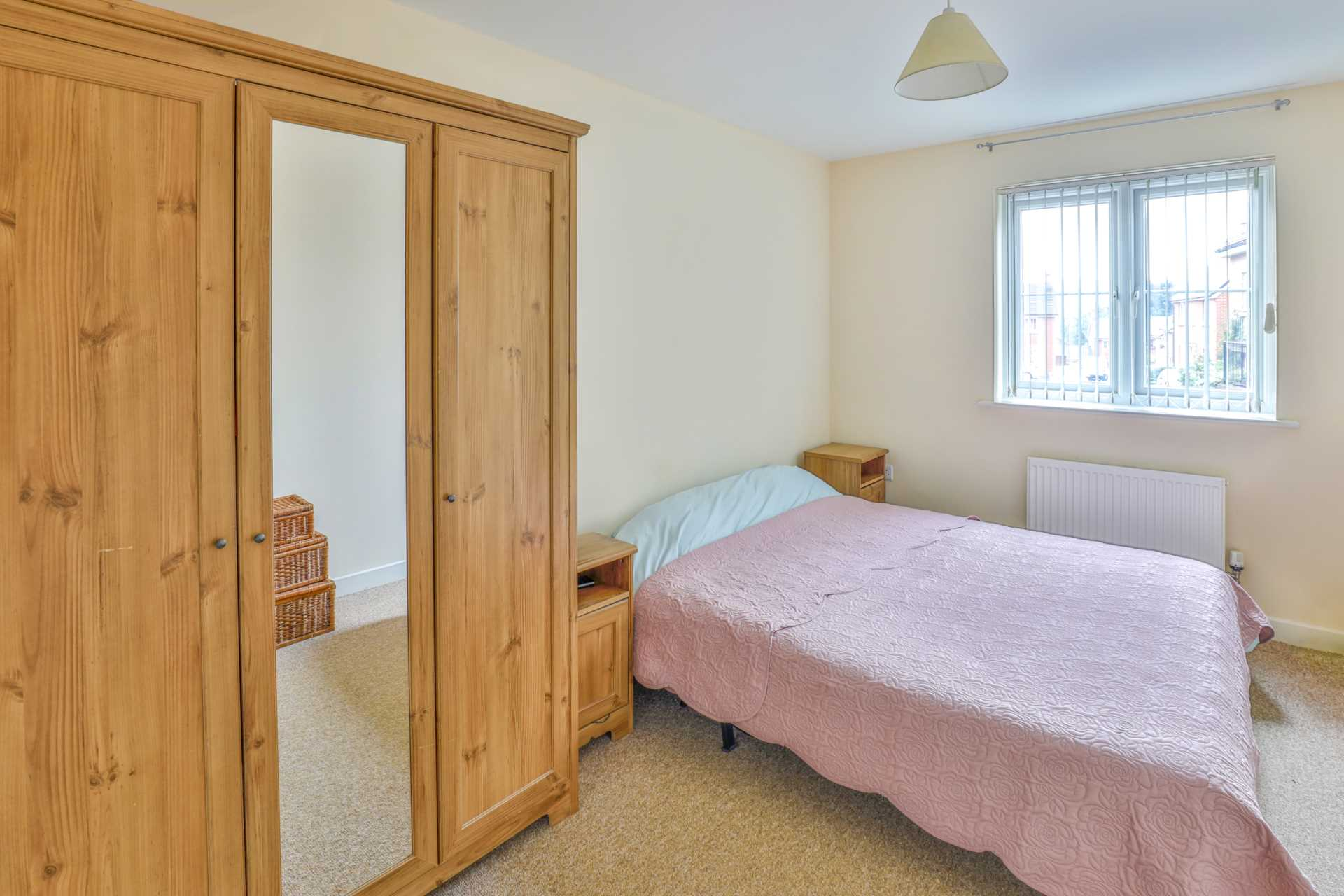 Jack Russell Close, Stroud, Image 6