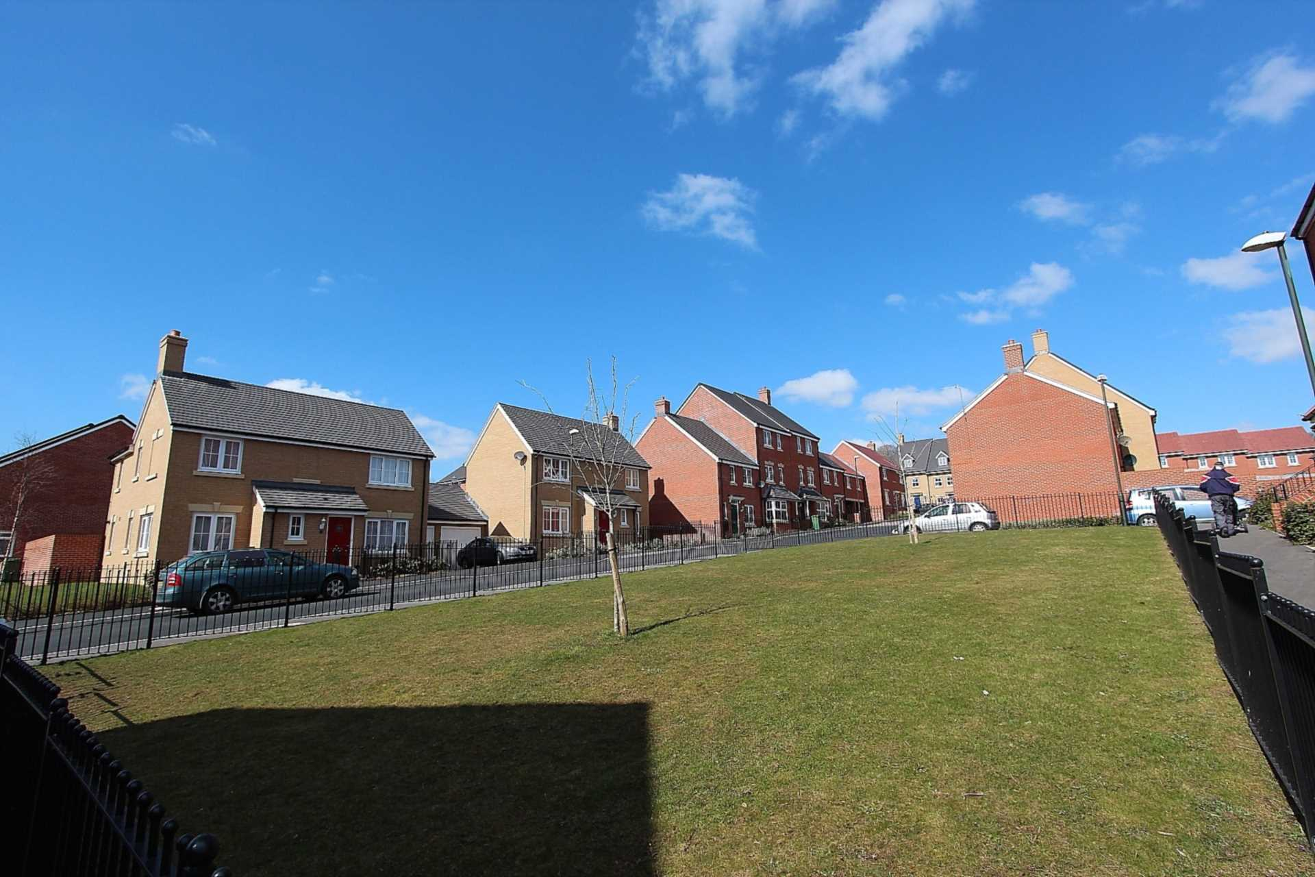 Jack Russell Close, Stroud, Image 9