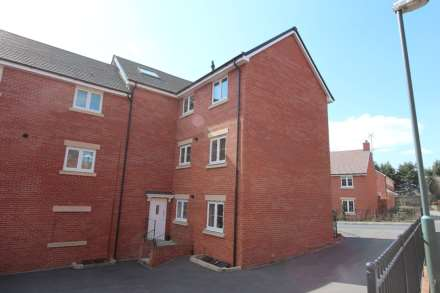 Jack Russell Close, Stroud, Image 10