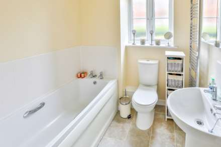 Jack Russell Close, Stroud, Image 8