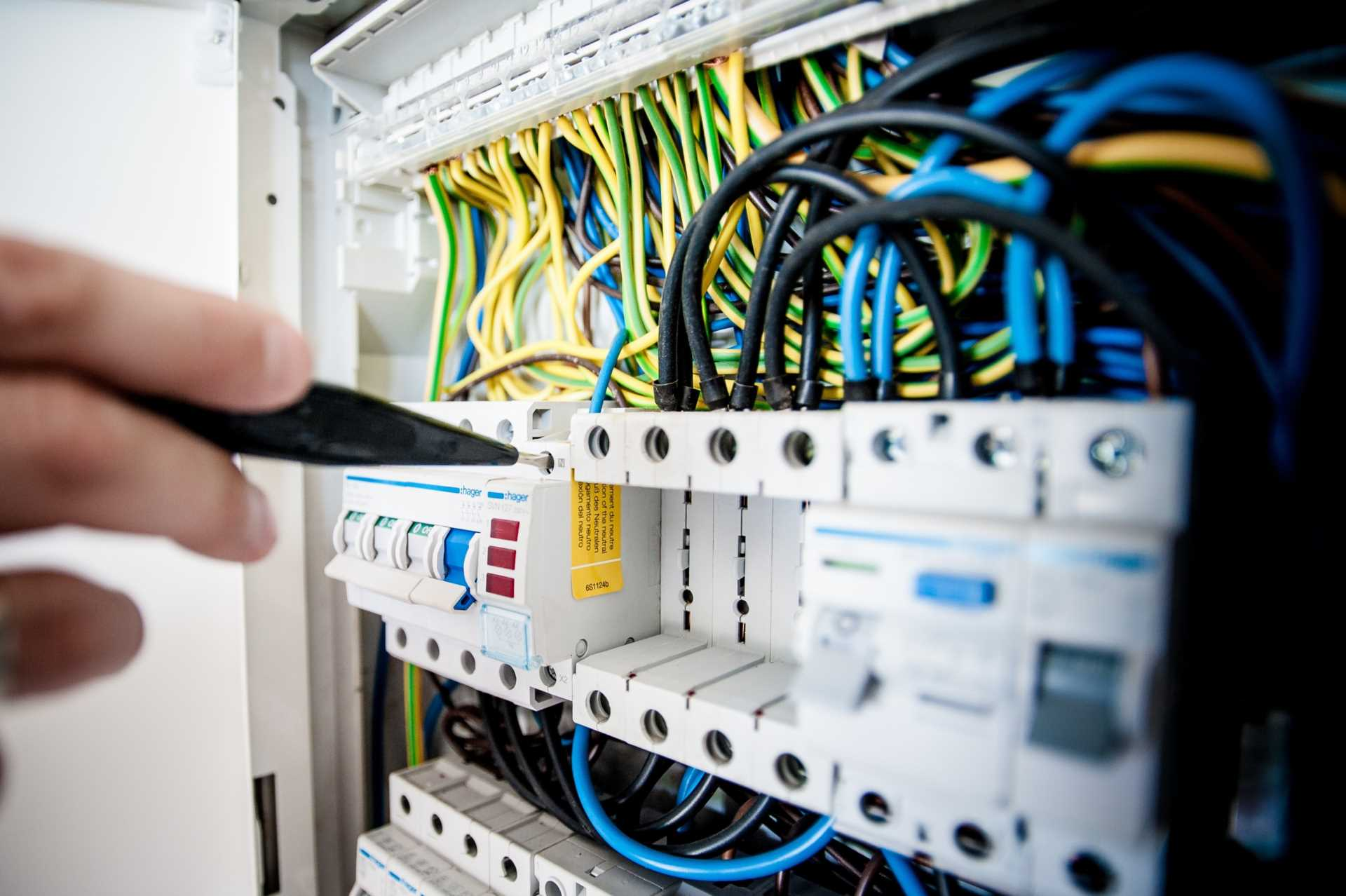 Don`t Be a Fool and Miss 1 April Deadline for Electrical Checks