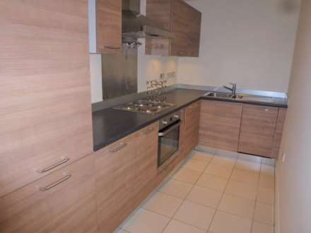 2 Bedroom Apartment, Kempton Drive, Warwick, cv34 5ft