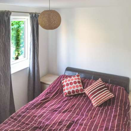 Property For Rent Ringwood Gardens, London