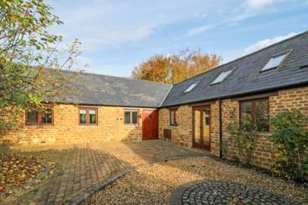 3 Bedroom Barn Conversion, Manor Farm Barns,Hempton Road, Deddington