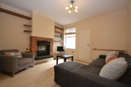 4 Bedroom Terrace, Victoria Street, Reading, RG1 4NQ