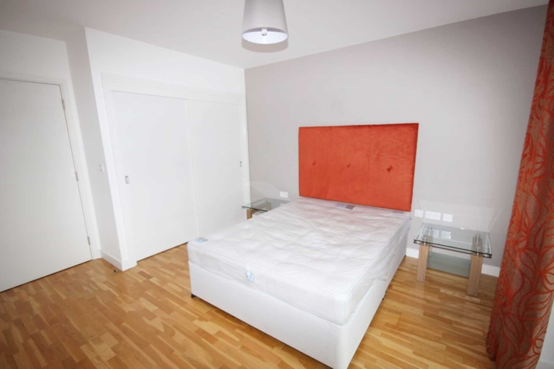 Piccadilly Place, Manchester, Image 4