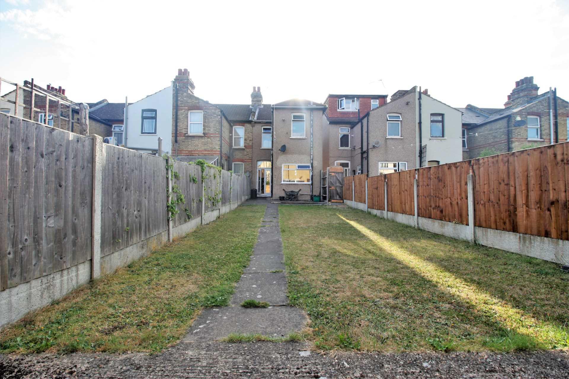 Farnham Road, Seven Kings IG3, Image 2