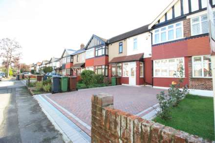 Property For Sale Salcombe Drive, Romford