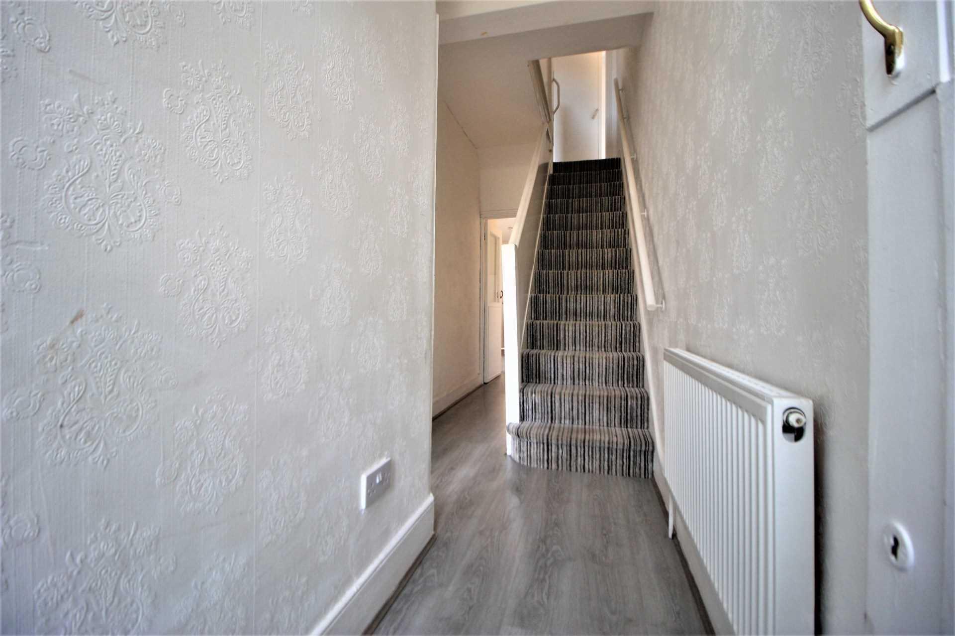 Kenneth Road, Chadwell Heath RM6, Image 3