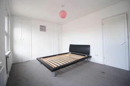 Kenneth Road, Chadwell Heath RM6, Image 8