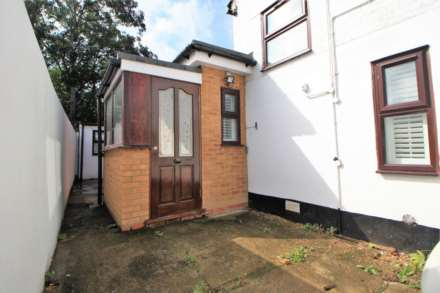 Romford Road, Forest Gate, E7, Image 11