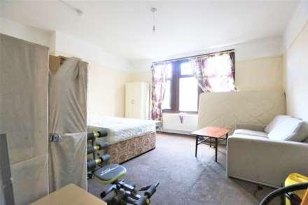 3 Bedroom Terrace, High Street North, Manor Park, E12