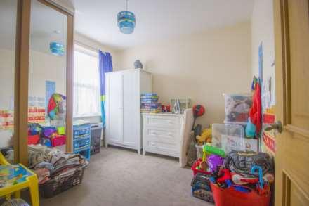 Kenneth Road, Chadwell Heath RM6, Image 9