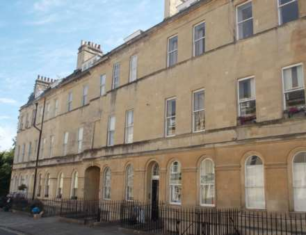 3 Bedroom Maisonette, Henrietta Street, Bath
