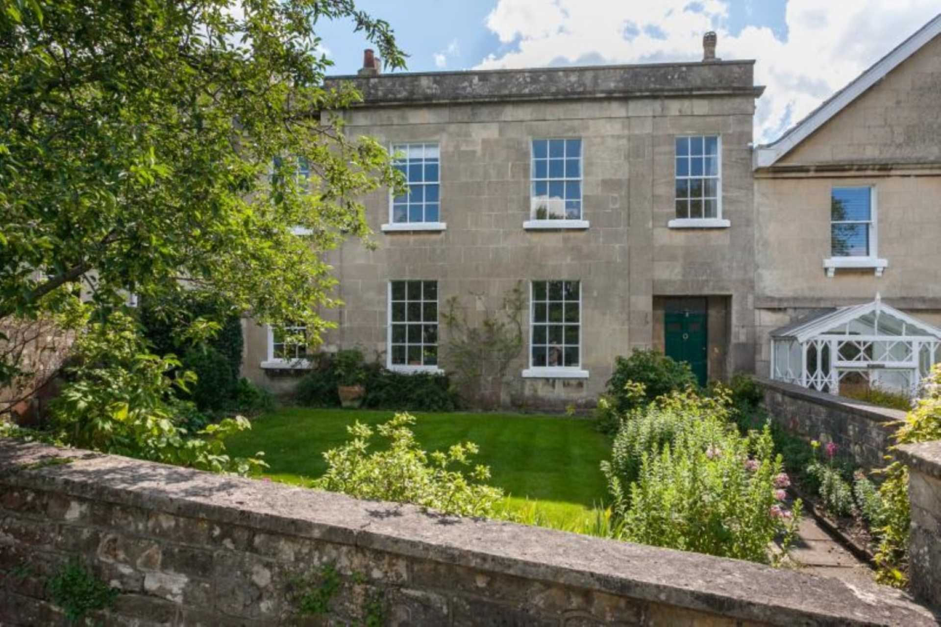 Swallows Property Letting - 4 Bedroom House, Beechen Cliff Road, Bath