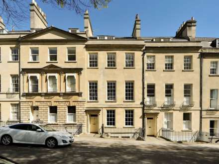 6 Bedroom Town House, St James Square, Bath