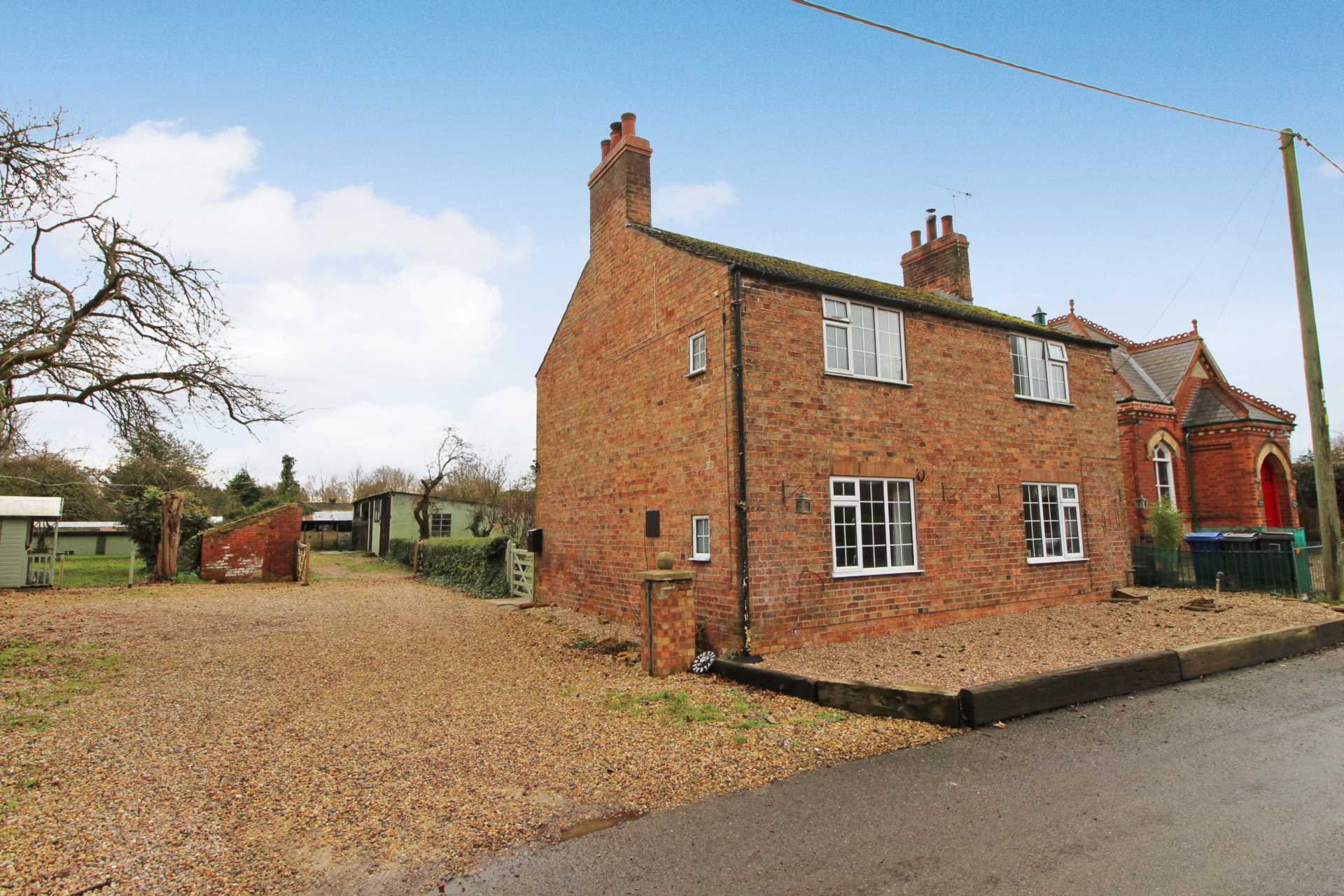Pleasant Villa, Heapham, Gainsborough - with approx 6 acres sts., Image 3