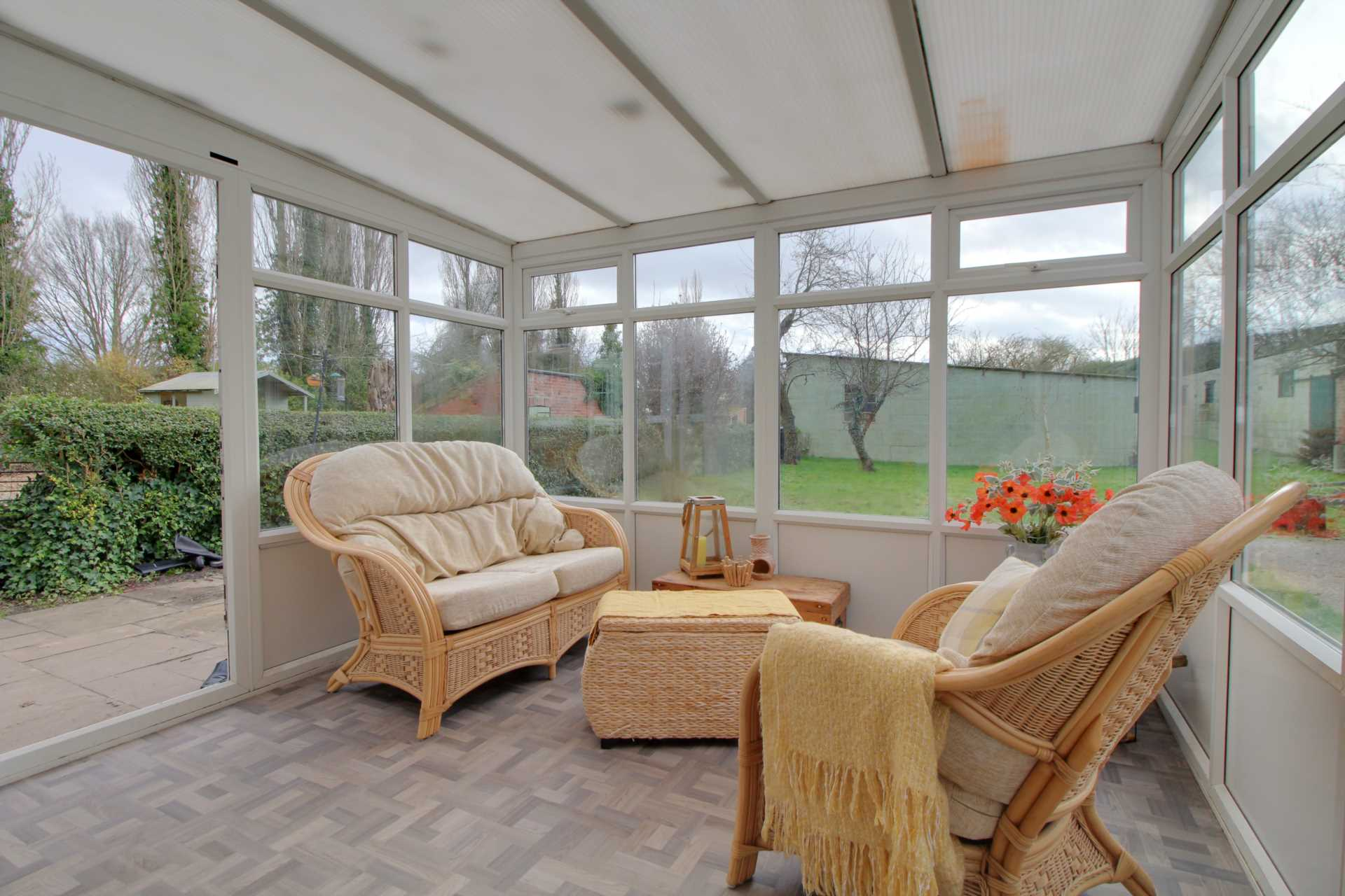 Pleasant Villa, Heapham, Gainsborough - with approx 6 acres sts., Image 5