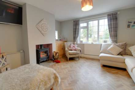 Pleasant Villa, Heapham, Gainsborough - with approx 6 acres sts., Image 9