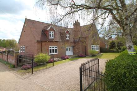 Oakwood House, Horncastle Road, Roughton Moor, Woodhall Spa, LN10 6UX