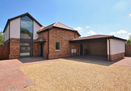 4 Bedroom Detached, Newport Road, Woburn Sands