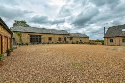 4 Bedroom Barn Conversion, High Barn, Hanslope
