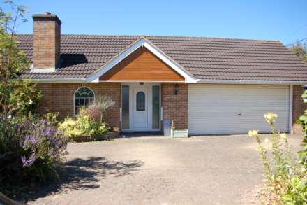 3 Bedroom Detached Bungalow, Monkton Heathfield