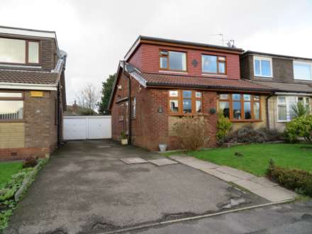 3 Bedroom Semi-Detached, Sherwood Way, High Crompton, Shaw