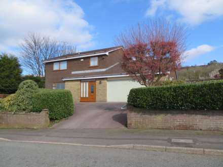 4 Bedroom Detached, Harden Hills, Shaw