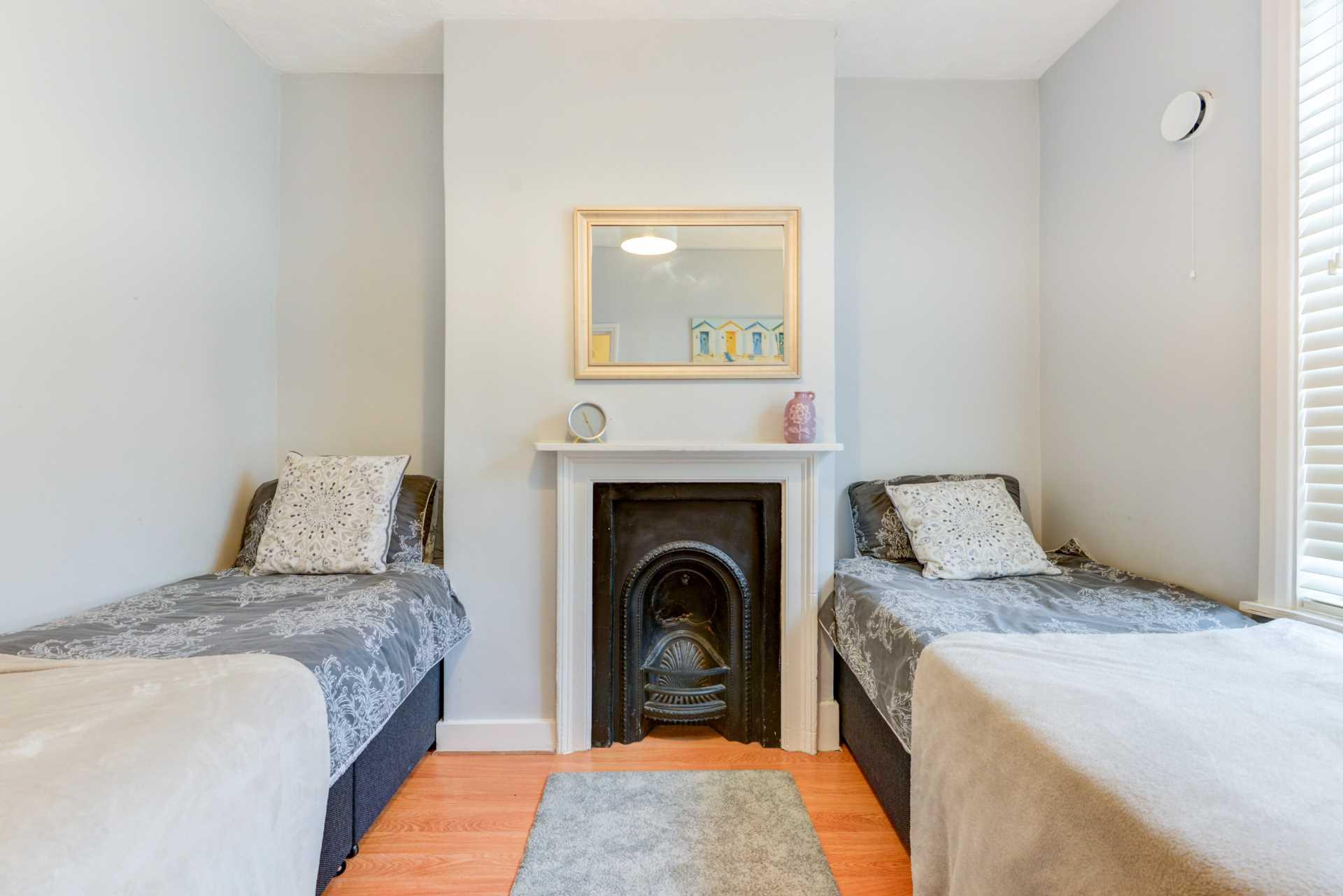 Brighton Central Elegant Home, Image 13