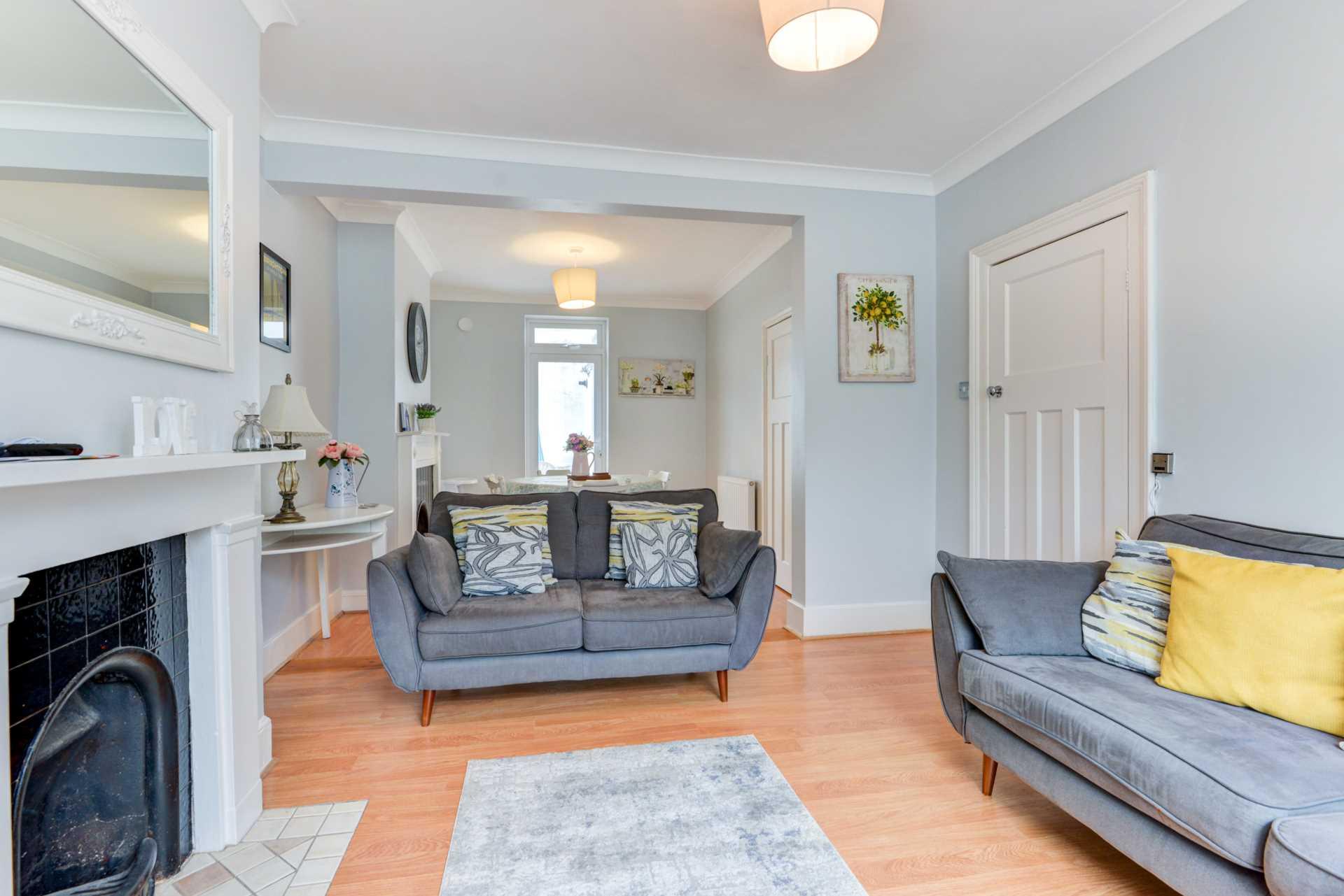 Brighton Central Elegant Home, Image 6