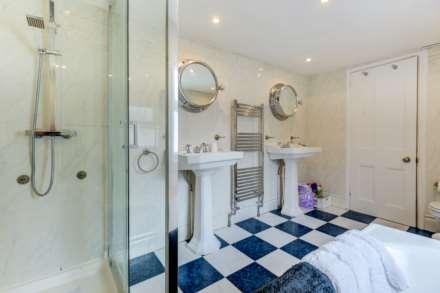 Brighton Central Elegant Home, Image 14
