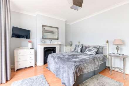 Brighton Central Elegant Home, Image 4