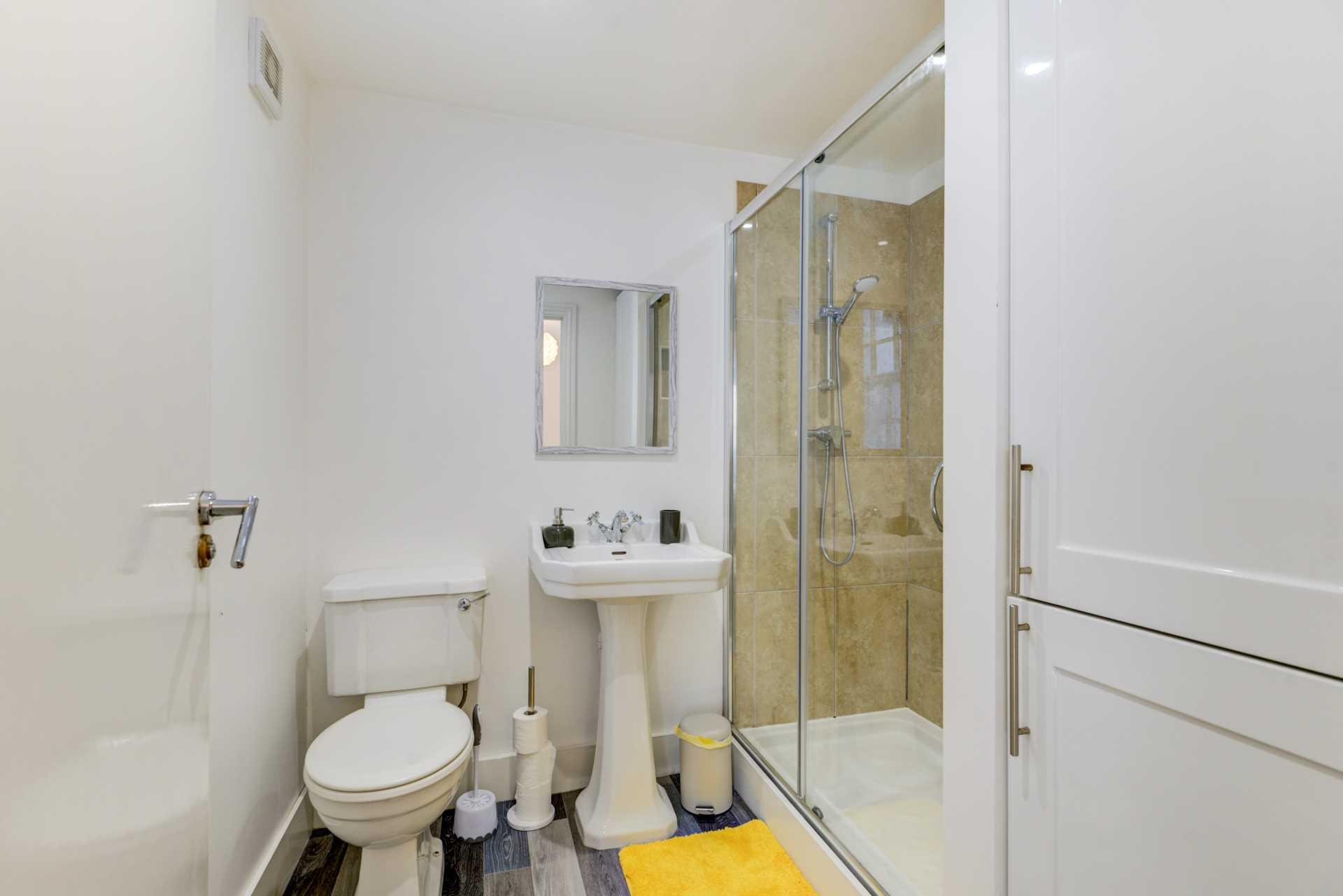 Stunning Worthing Seaview Apartment, Image 12