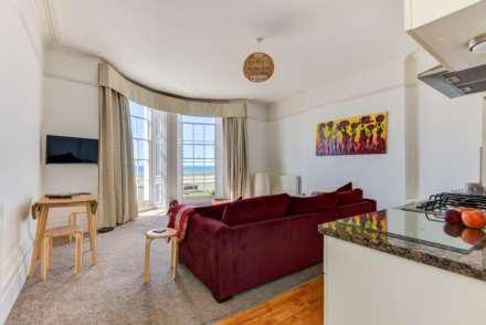 Stunning Worthing Seaview Apartment, Image 10