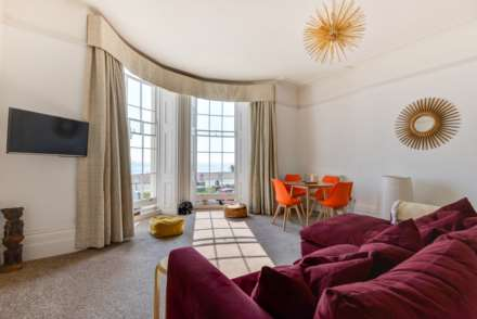 Stunning Worthing Seaview Apartment, Image 2