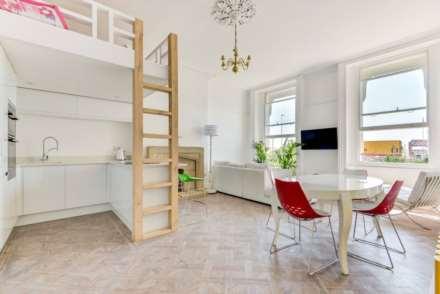 2 Bedroom Flat, Worthing Seafront Apartment. Iconic Heene Terrace.