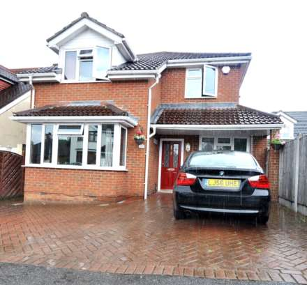 5 Bedroom House, Queenway, Romford
