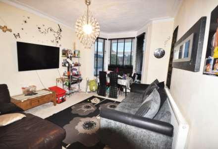 3 Bedroom Flat, Richmond Rd, Ilford