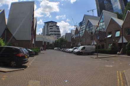 1 Bedroom Commercial Property, Sky Line Village, London